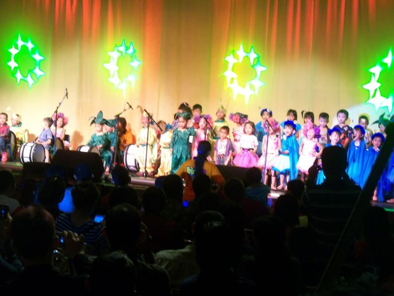Penampilan anak-anak Play Group (kelompok bermain) Krista Ceria opera tema Alam Suka Cita. (p.kus)